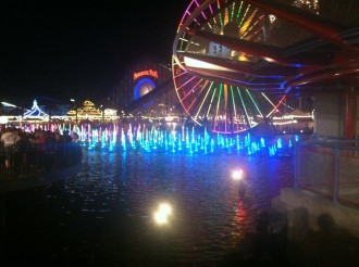 ferris wheel at Disneyland's Paradise Pier at night