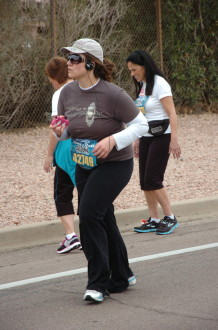 Aurora looking to the side while on the Rock 'n' Roll Arizona 2012 half marathon course