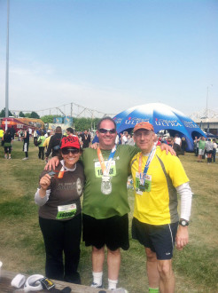 Aurora and her new friends posing after the finish of the Kentucky Derby miniMarathon 2012