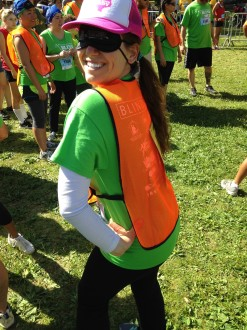 Aurora De Lucia posing blindfolded before running the Irvine Lake Summer of Mud obstacle course mud run